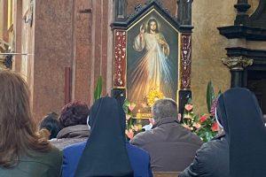 Godzina Miłosierdzia uOjców Karmelitów wPrzemyślu